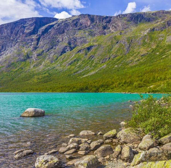 amazing besseggen mountain ridge and turquoise
