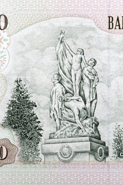 monument to chilean heroes from old