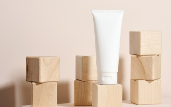 empty white plastic tubes for cosmetics