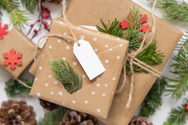 christmas present with blank gift tag