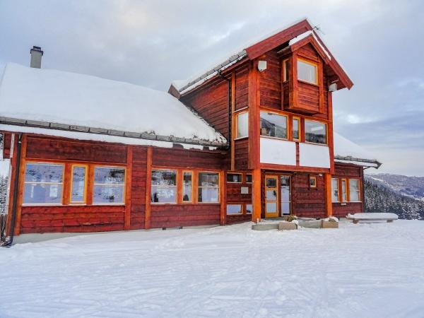 vik skisenter roysane norway beautiful wooden