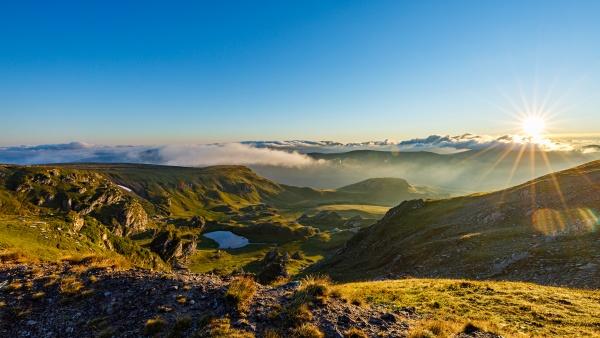 the landscape of the carpathian mountains