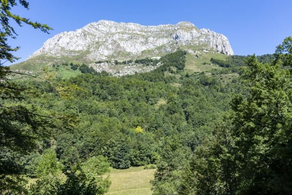view of the mountain of sajambre