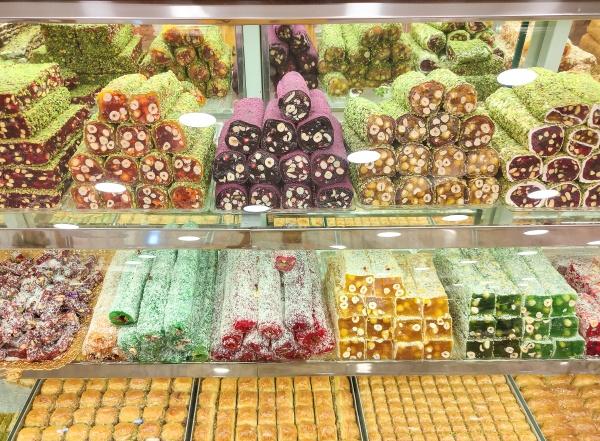 variety of turkish traditional lokum sweet