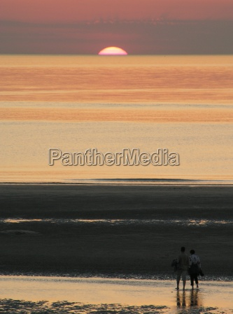 mennesker folk personer mand solnedgang vandretur