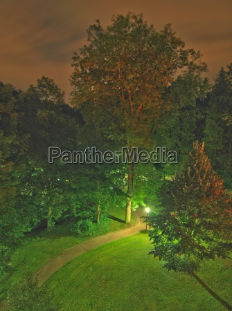 at night in the spa park