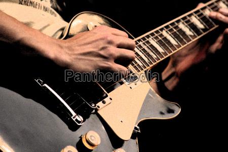 guitar, man - 120939
