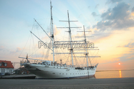 gorch fock i in the morning