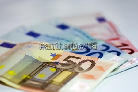 100, euro - 169097