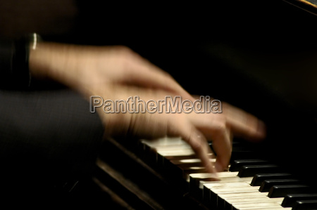 piano, player - 246551