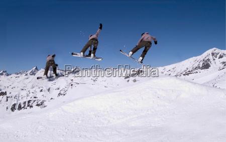 snowboarder - 250813