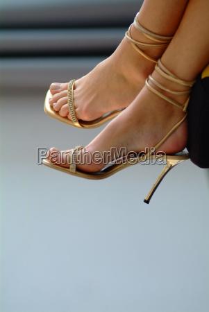fuesse in high heels