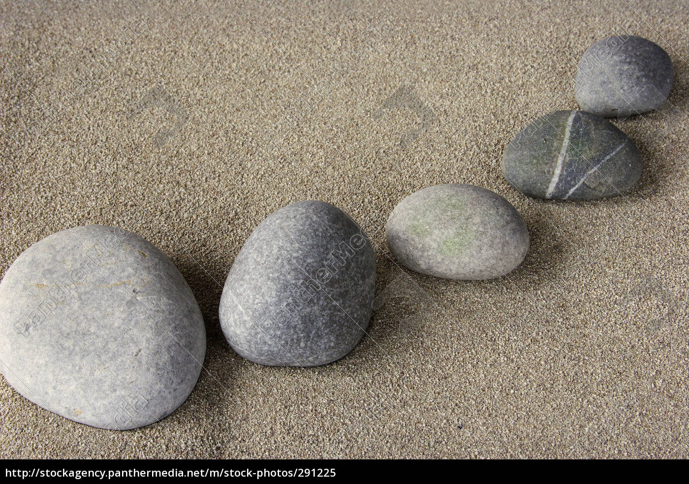 pebbles, in, the, sand - 291225