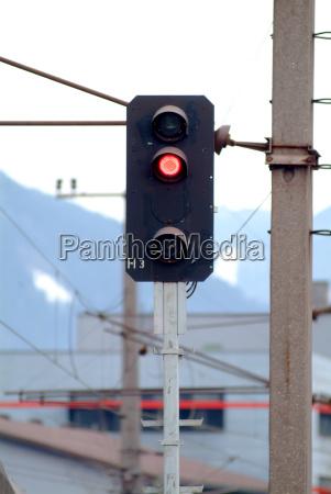 train signal red