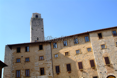 facade in tuscany