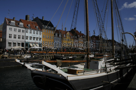 sailing ship in nyhavn