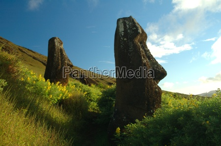 stone, statues, on, the, meadow - 326324