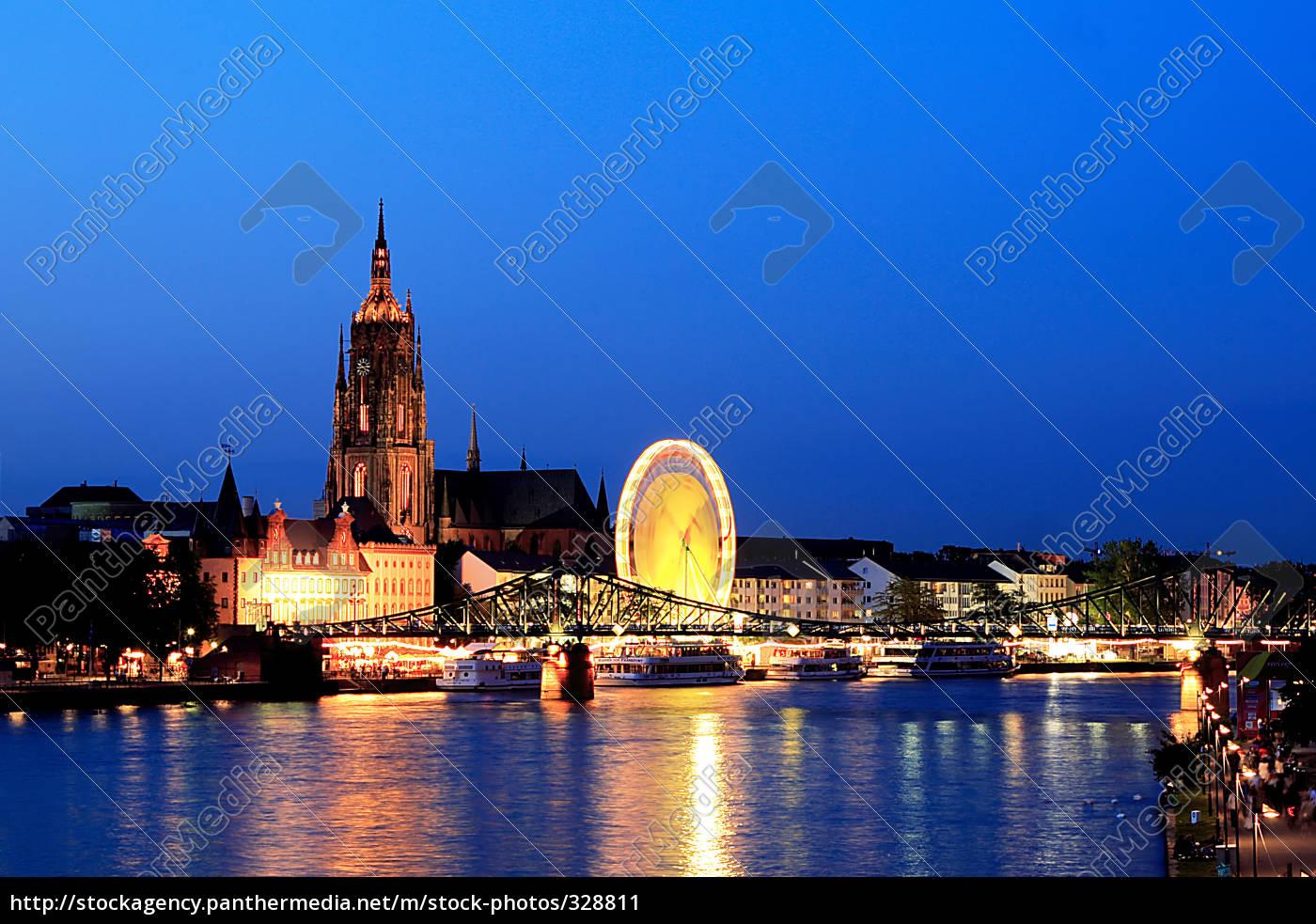 frankfurt, celebrates - 328811