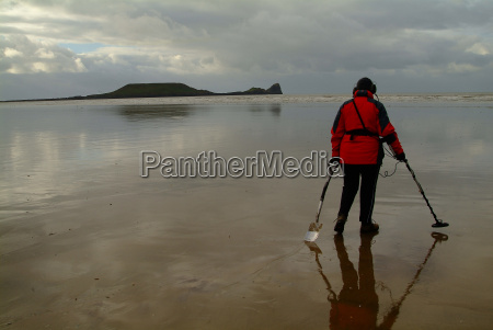looking at low tide
