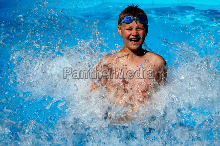 boy, in, the, pool, no.1 - 366925