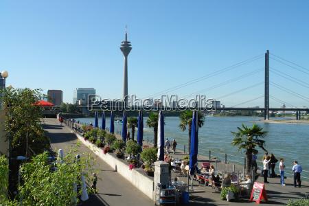 düsseldorf, rheinuferpromenade - 410633