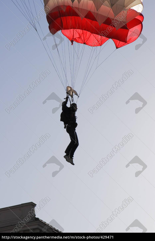 landing - 429471