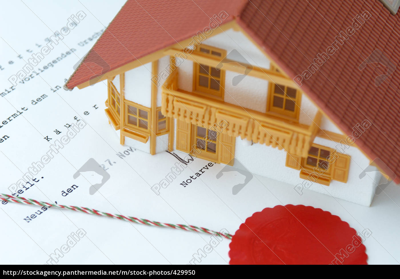 model, house, on, notarised, purchase, agreement - 429950