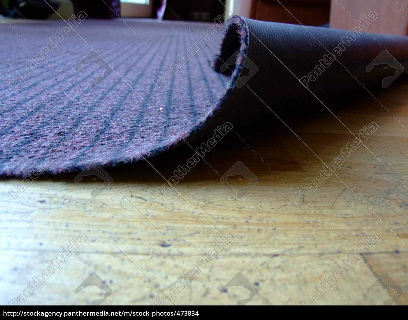 sweep, under, the, carpet - 473834