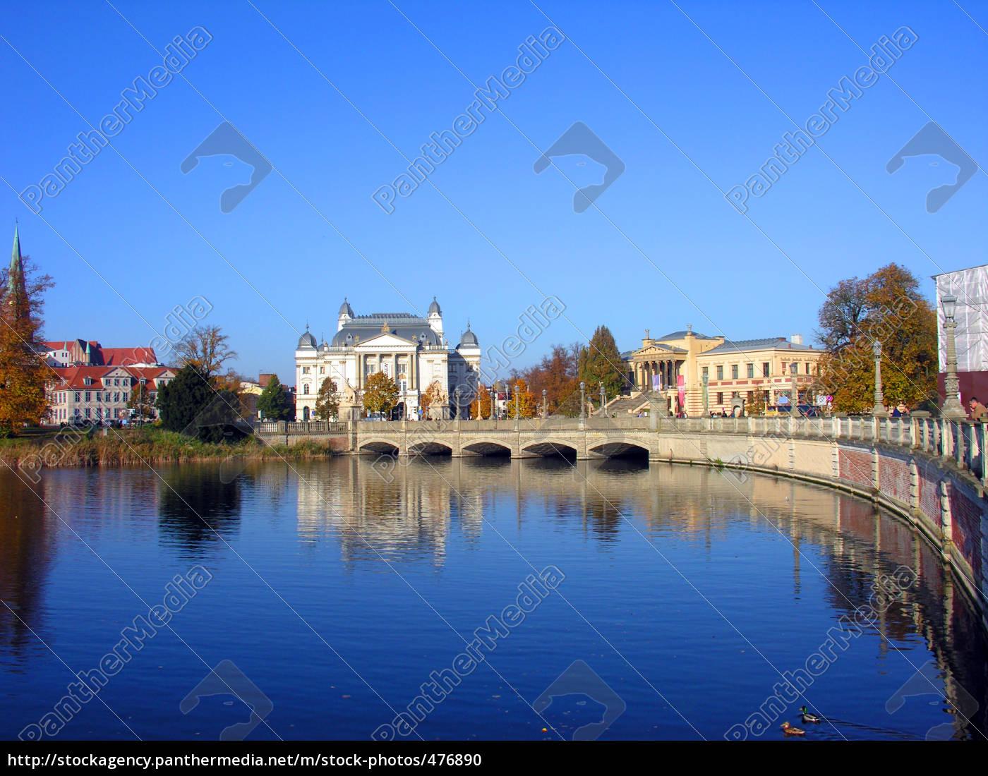 the, castle, of, schwerin - 476890