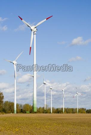 wind, turbines, on, farmland - 490030