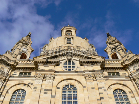 dresden frauenkirche almost symmetrically
