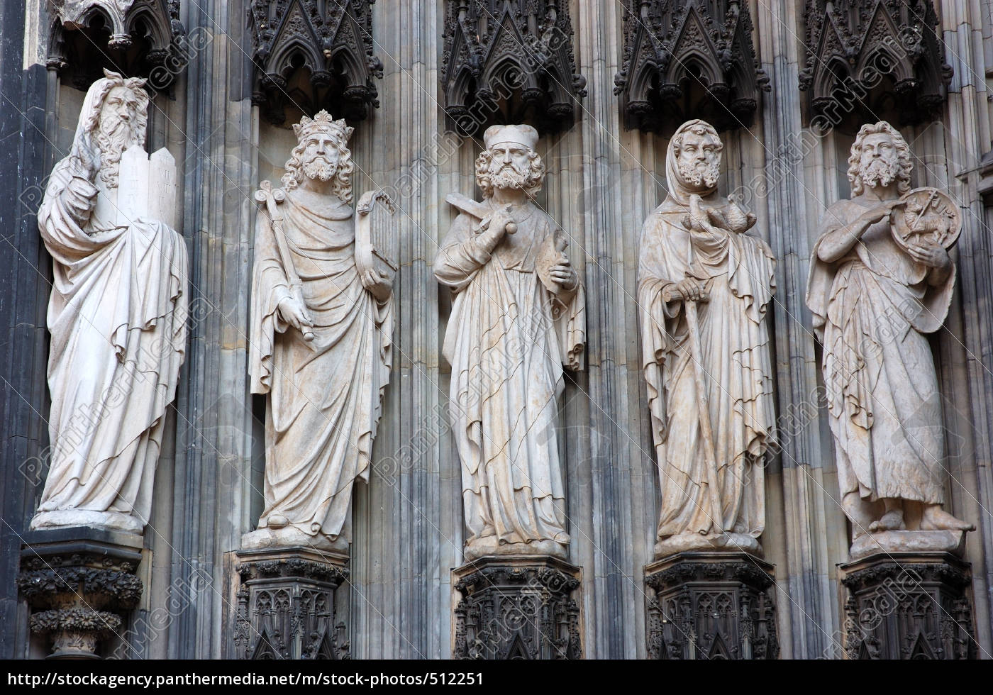 statues, at, cologne, cathedral - 512251
