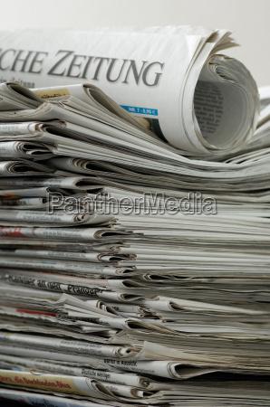 rolled, newspaper, on, zeitungsstapel - 531035
