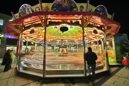 carousel round the planet