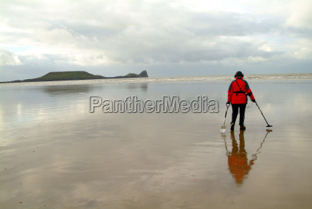 search at low tide