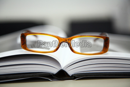 glasses, on, book - 543124