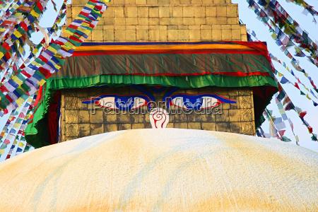 eyes of stupa of bodnath