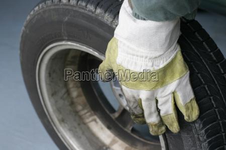 car, tire, glove - 566612
