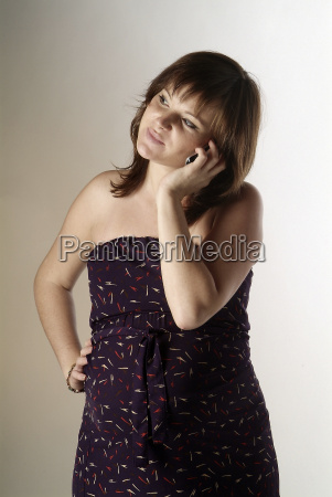 pregnant woman with cell phone