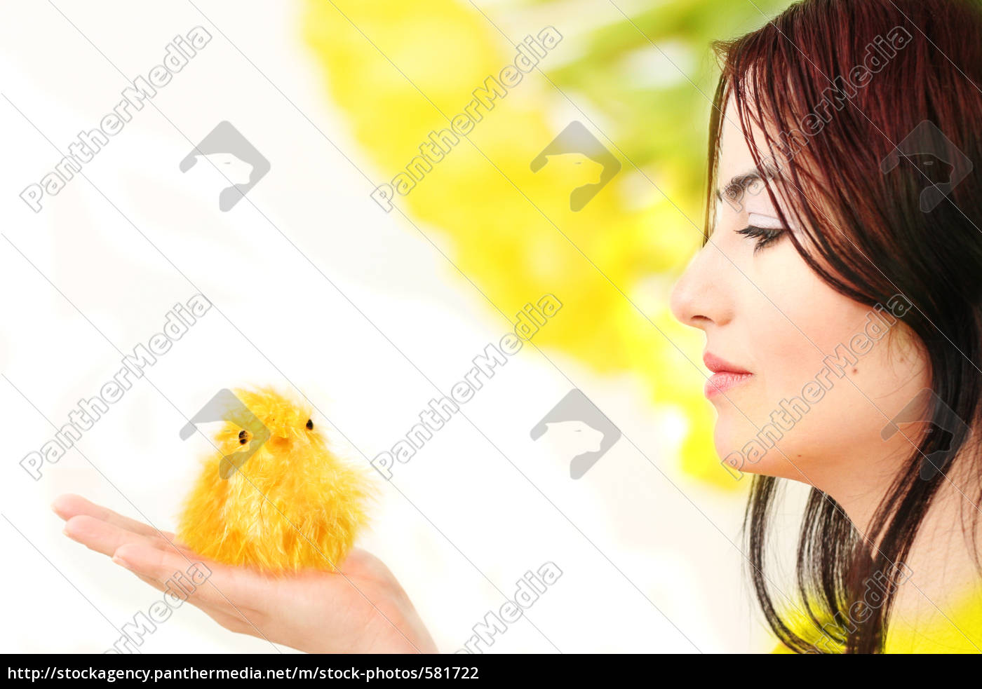 easter, unterground, with, chicks - 581722
