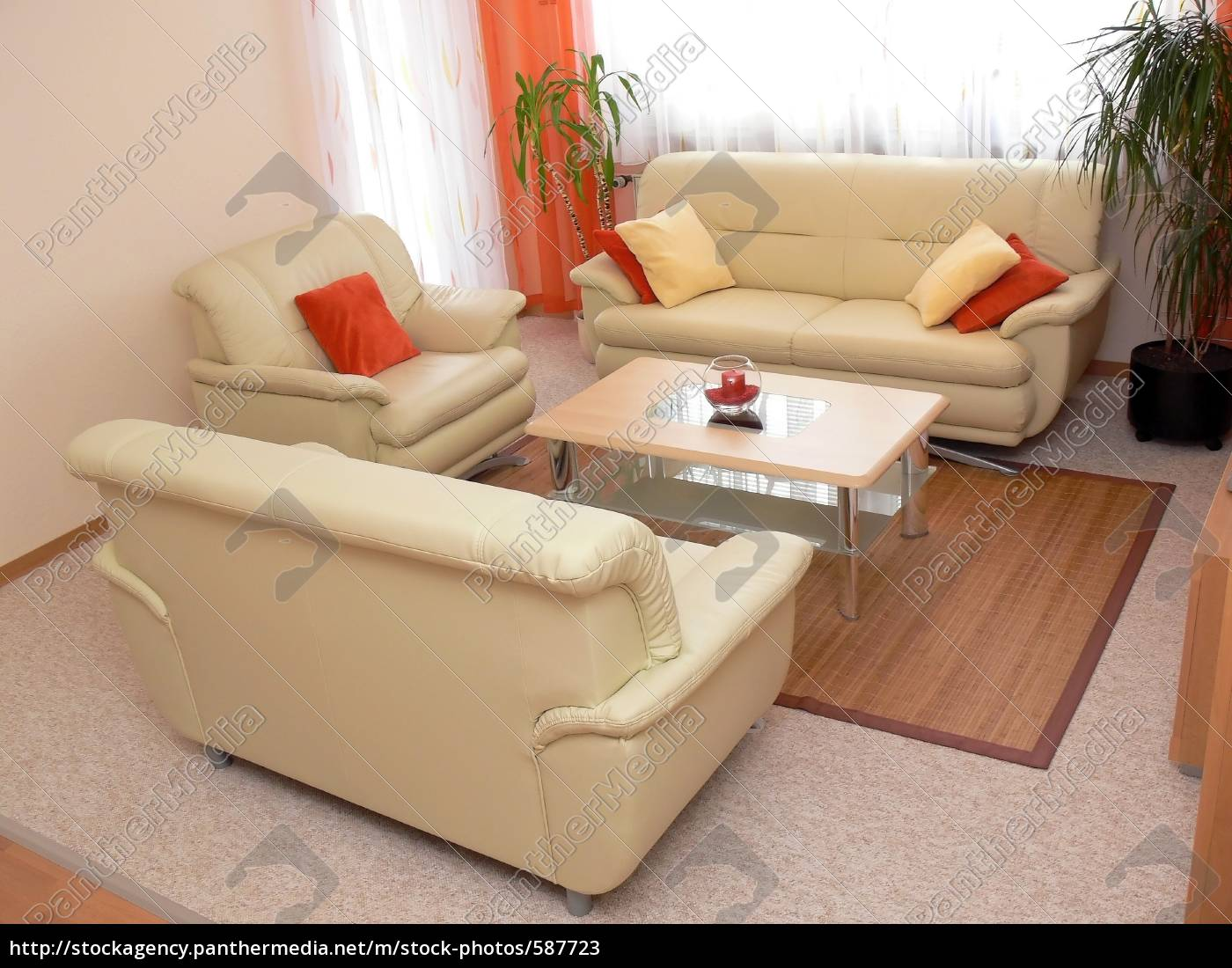living, room, 1 - 587723