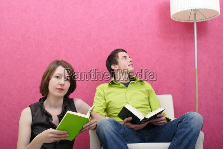 man, and, woman, reading - 598543