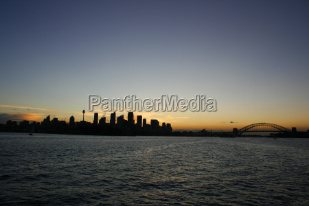 sidney's, silhouette - 619514