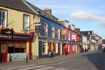 row, of, houses, in, ireland - 642075