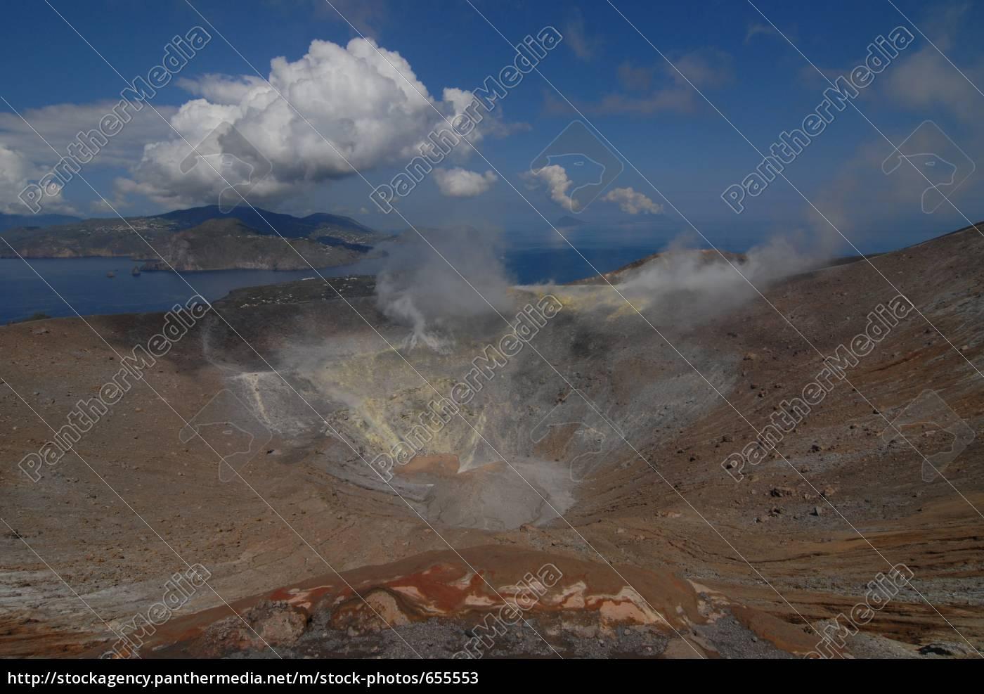 grand, crater, of, vulcano - 655553