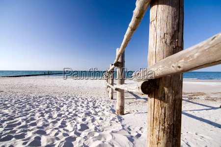 baltic, beach, with, fence - 666062