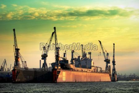 port, operations - 671280