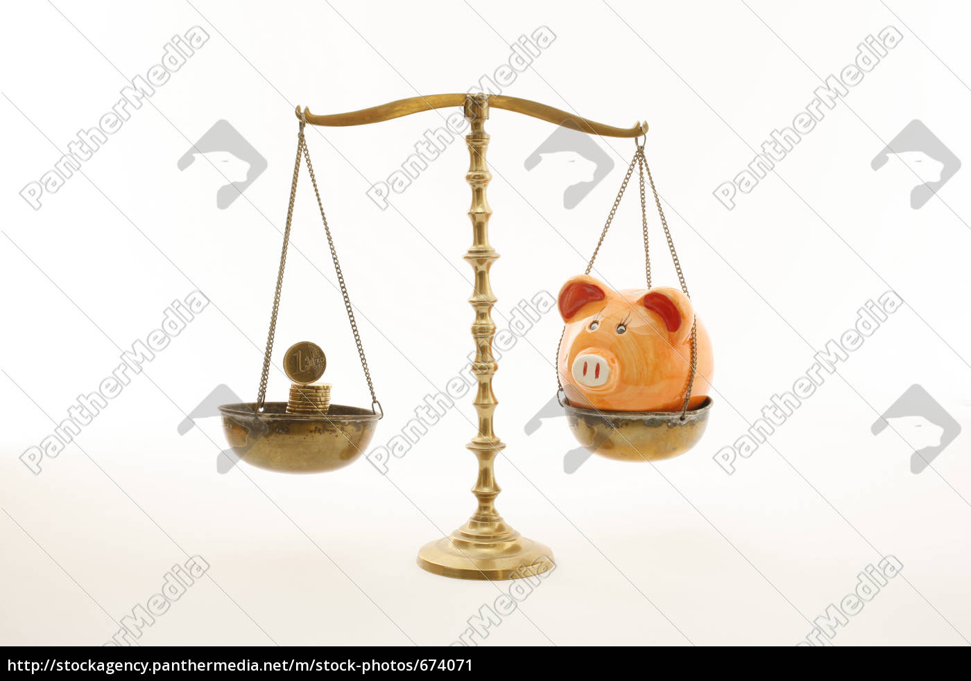 scale, with, coin, and, piggy, bank - 674071