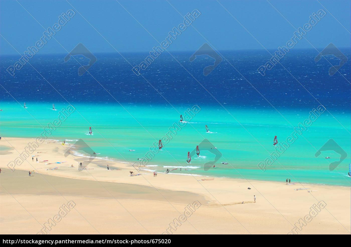 windsurfer, on, the, beach - 675020