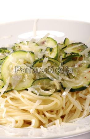 spaghetti, with, courgette - 681000